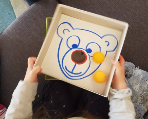 activité enfant 3 ans et demi la boite à trou
