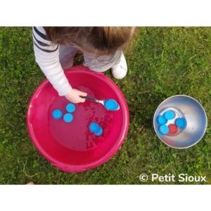 activité transvasement eau bouchon cuillère à soupe