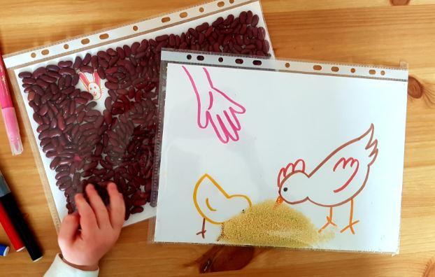 pochettes sensorielles de paques activite enfant
