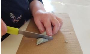 pâte à modeler découpe couteau